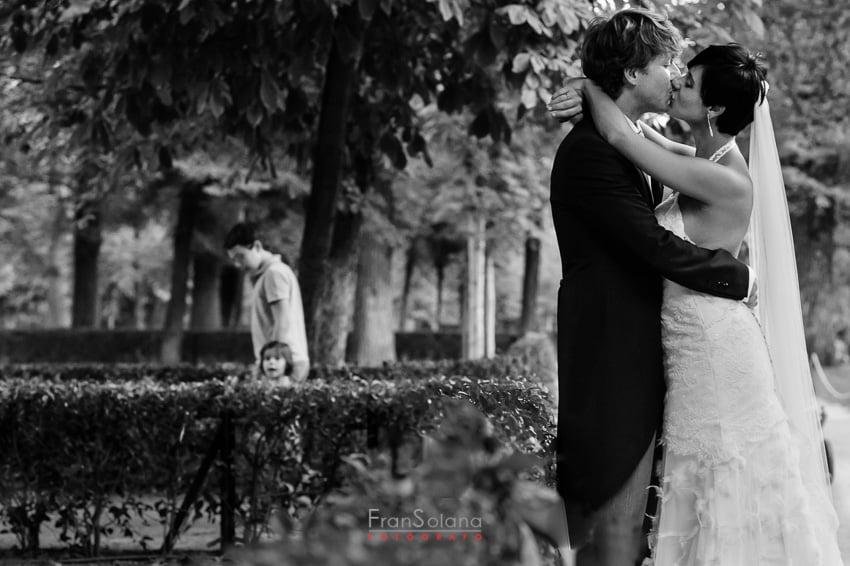 reportaje fotográfico postboda en el Parque del Retiro de Madrid
