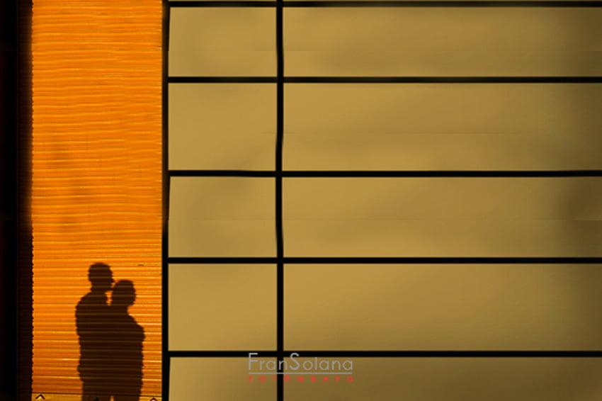 Reportaje fotográfico preboda o postboda en un polígono industrial